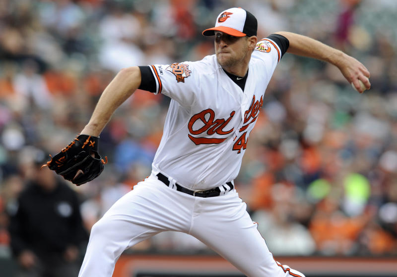 Orioles trade LHP Patton to Padres for C Hundley