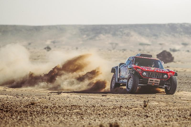 Sainz extends Dakar lead with stage seven win