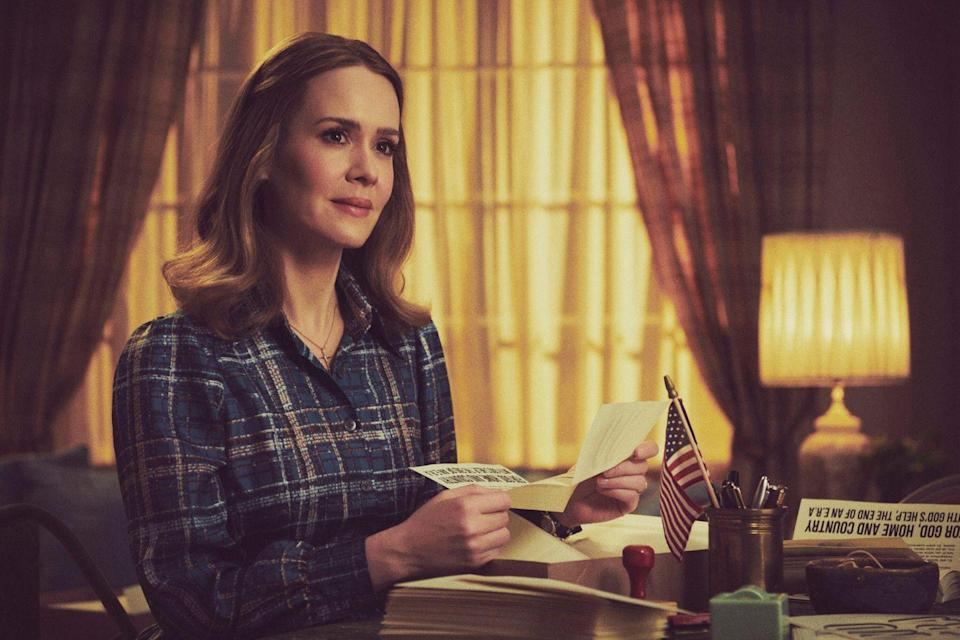 Mrs America S Sarah Paulson Says Her Character Alice Is Based On