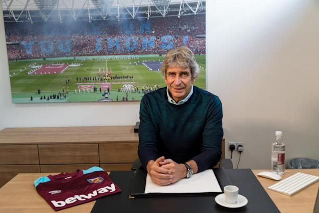 West Ham boss Manuel Pellegrini to earn more than Chelsea's Antonio Conte and Liverpool manager Jurgen Klopp