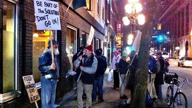 Vancouver Downtown Eastside groups band together against anti-gentrification protests