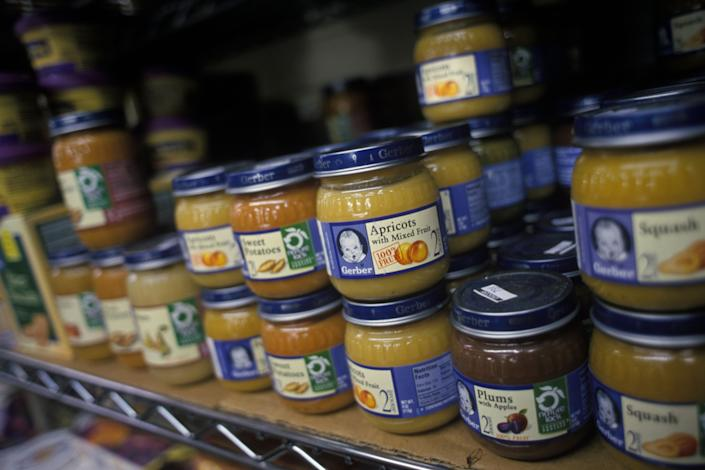 Environmentalists say buying baby food sold in glass jars is preferable since they can be recycled and reused. (Photo: James Leynse via Getty Images)