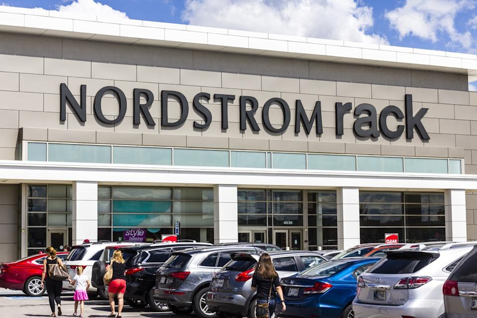 Nordstrom Rack Store Exterior {Discount Shopping}