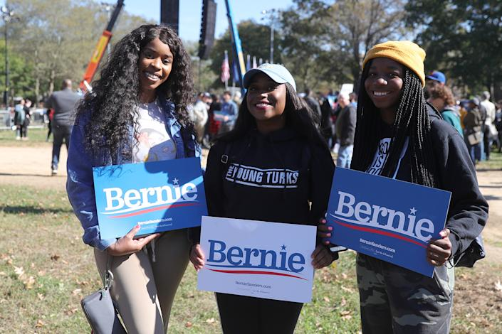 The young supporters await Vermont senator and Democratic presidential candidate Bernie Sanders as he campaigns at the Bernie's Back Rally in Long Island City, New York on Saturday, Oct. 19, 2019. (Photo: Gordon Donovan/Yahoo News)
