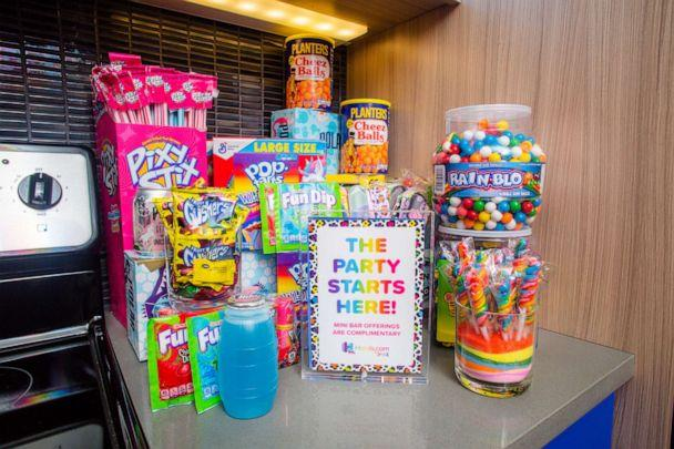 PHOTO: Guests can munch on classic '90s snacks, such as Pixy Stix and Cheez Balls. (via Hotels.com)