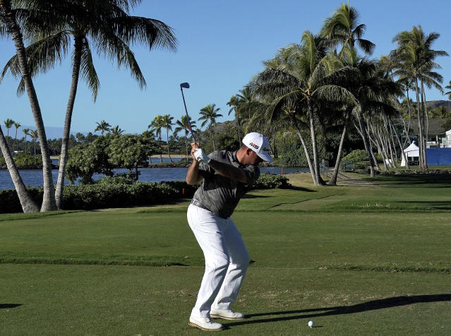 "<a class=""link rapid-noclick-resp"" href=""/pga/players/5000/"" data-ylk=""slk:Chez Reavie"">Chez Reavie</a> had the touch in Hawaii on Friday. (AP Photo/Matt York)"