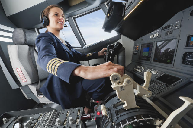 Female pilots can face sexist comments questioning their abilities. (Photo: Westend61)