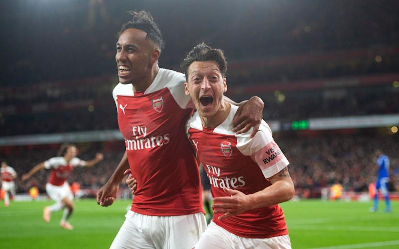 Footage has emerged of Pierre-Emerick Aubameyang and Mesut Ozil allegedly inhaling 'laughing gas' - Arsenal FC