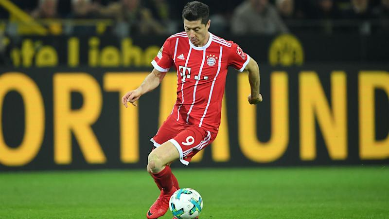 Lewandowski tells Bayern to sign 'young' striker