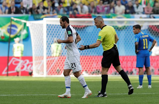 Soccer Football - World Cup - Group E - Brazil vs Costa Rica - Saint Petersburg Stadium, Saint Petersburg, Russia - June 22, 2018 Referee Bjorn Kuipers looks on as Costa Rica's Marco Urena leaves the pitch after being substituted REUTERS/Henry Romero