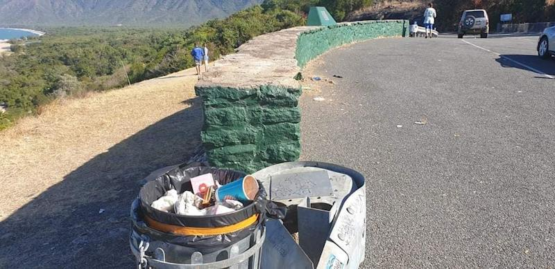 Brett Tait has become very concerned with the bin situation at Rex Lookout, prompting him to start a petition. Source: Brett Tait/Facebook - Aussie Bin Fails