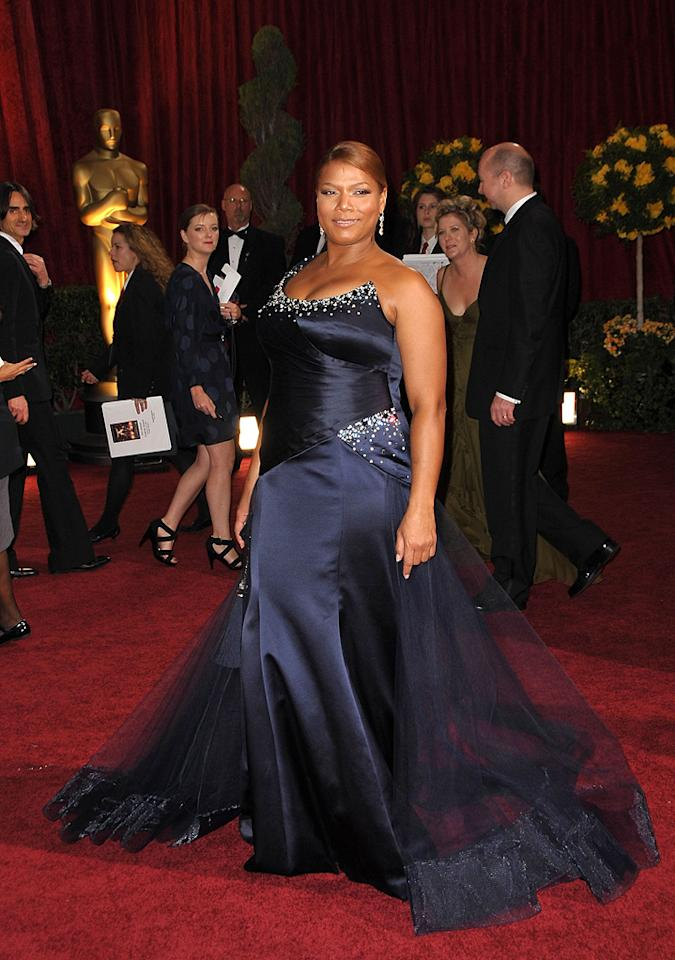 Queen Latifah   Grade: B-       The big screen star didn't do herself any favors in an ill-fitting blue frock from Georges Chakra's Spring '09 collection.