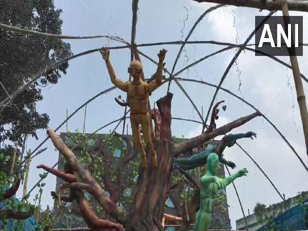 Tree-themed pandal comes up in West Bengal's Birbhum. [Photo/ANI]
