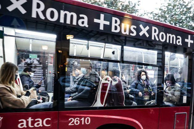 Rome. passengers with masks. on public transport. during the pandemic. In the photo passengers on an bus. (Photo by: Cristiano Minichiello/AGF/Universal Images Group via Getty Images) (Photo: AGF via Getty Images)