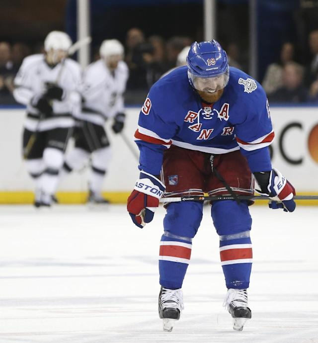 New York Rangers center Brad Richards (19) reacts after a second period goal by the Los Angeles Kings during Game 3 of the NHL hockey Stanley Cup Final, Monday, June 9, 2014, in New York. (AP Photo/Kathy Willens)