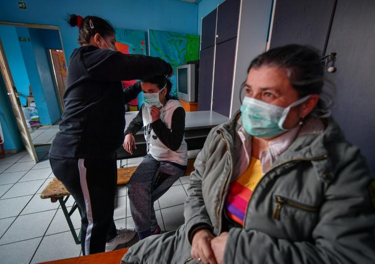 An estimated several thousand homeless people in Bucharest face an especially tough time during the pandemic