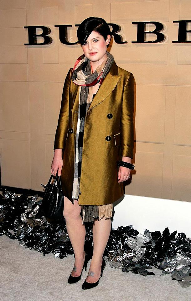 """Kelly Osbourne keeps warm in a traditional Burberry scarf. <a href=""""http://www.infdaily.com"""" target=""""new"""">INFDaily.com</a> - October 20, 2008"""