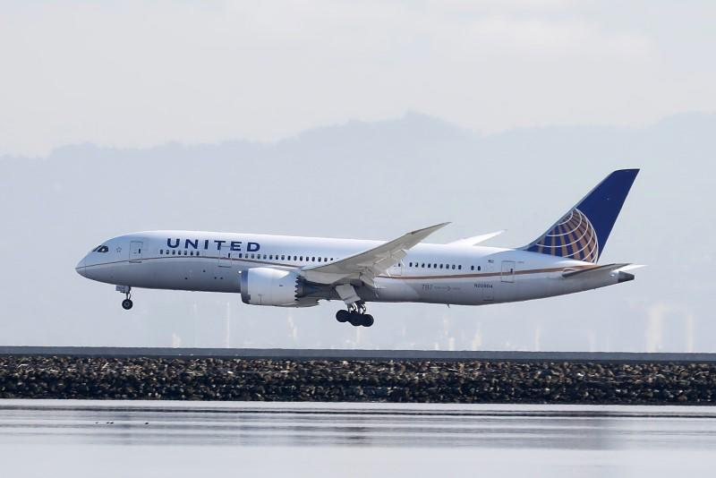 File photo of a United Airlines Boeing 787 Dreamliner touching down at San Francisco International Airport, San Francisco