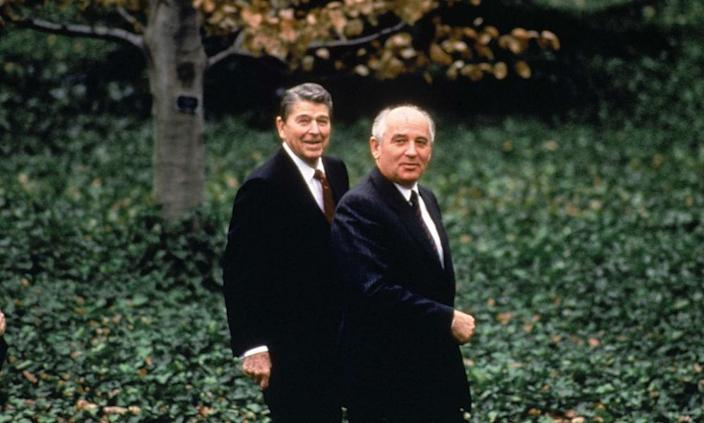 """<span class=""""element-image__caption"""">Mikhail Gorbachev with Ronald Reagan. In the 1980s Donald Trump claimed that in one hour with Gorbachev he could end the cold war.</span> <span class=""""element-image__credit"""">Photograph: Diana Walker/Time & Life Pictures/Getty Image</span>"""