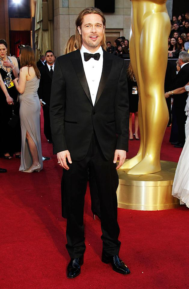 HOLLYWOOD, CA - FEBRUARY 26:  Actor Brad Pitt arrives at the 84th Annual Academy Awards held at the Hollywood & Highland Center on February 26, 2012 in Hollywood, California.  (Photo by Jeff Vespa/WireImage)