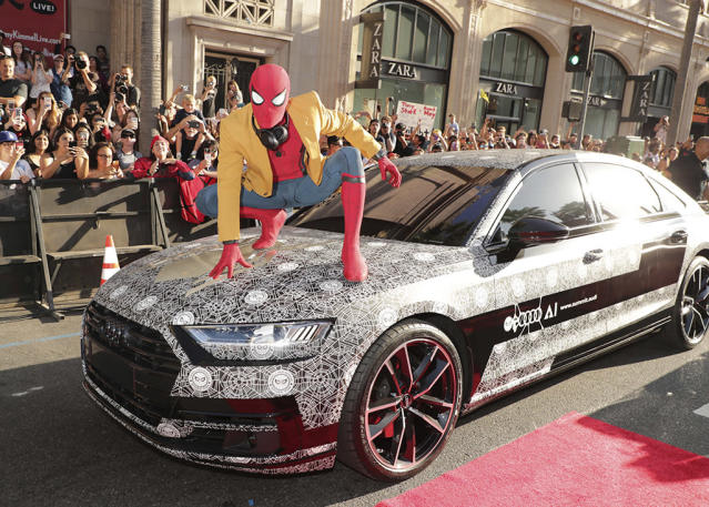 "<p>Spidey hops a ride at the <a href=""https://www.yahoo.com/movies/film/spider-man-homecoming"" data-ylk=""slk:Spider-Man: Homecoming"" class=""link rapid-noclick-resp""><em>Spider-Man: Homecoming</em></a> premiere at TCL Chinese Theatre on June 28, 2017, in Hollywood. (Photo: Eric Charbonneau/Invision/AP Images) </p>"
