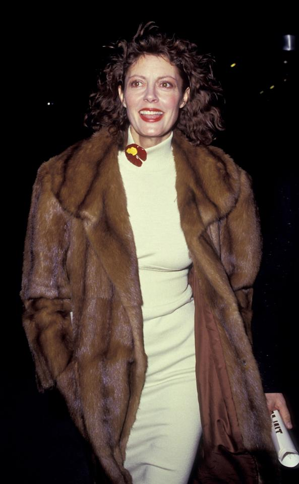<p>Susan Sarandon steps out in fur—and with a brooch—at the premiere of <em>Tin Men</em> in February, 1987.</p>