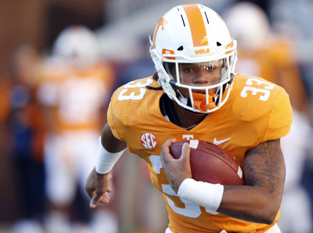 """Tennessee's <a class=""""link rapid-noclick-resp"""" href=""""/ncaaf/players/291699/"""" data-ylk=""""slk:Jeremy Banks"""">Jeremy Banks</a> was arrested a day after he had two interceptions against Chattanooga. (AP Photo/Wade Payne)"""