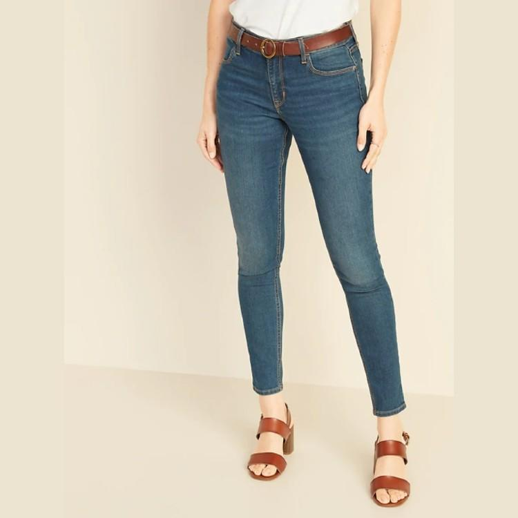 Mid-Rise Super Skinny Ankle Jeans for Women. (Photo: Old Navy)