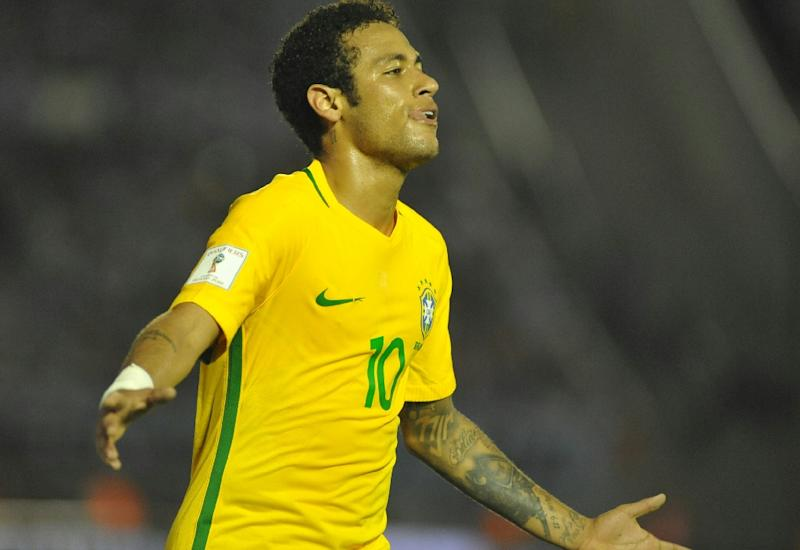 Neymar plays against Uruguay at a 2018 World Cup qualifying match in Montevideo March 23, 2017