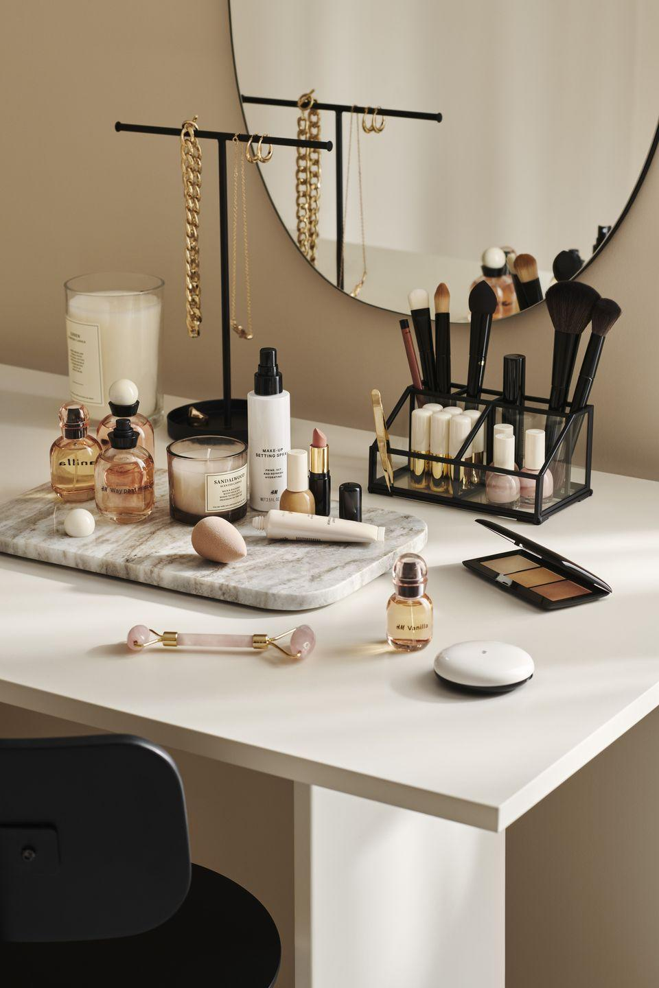 """<p>Keep your dressing table in order with H&M Home's must-have selection of trays, trinkets and stands. </p><p><a class=""""link rapid-noclick-resp"""" href=""""https://go.redirectingat.com?id=127X1599956&url=https%3A%2F%2Fwww2.hm.com%2Fen_gb%2Fhome.html&sref=https%3A%2F%2Fwww.housebeautiful.com%2Fuk%2Flifestyle%2Fshopping%2Fg35116386%2Fhandm-home-spring%2F"""" rel=""""nofollow noopener"""" target=""""_blank"""" data-ylk=""""slk:SHOP H&M HOME"""">SHOP H&M HOME</a> </p><p><strong>Like this article? <a href=""""https://hearst.emsecure.net/optiext/cr.aspx?ID=DR9UY9ko5HvLAHeexA2ngSL3t49WvQXSjQZAAXe9gg0Rhtz8pxOWix3TXd_WRbE3fnbQEBkC%2BEWZDx"""" rel=""""nofollow noopener"""" target=""""_blank"""" data-ylk=""""slk:Sign up to our newsletter"""" class=""""link rapid-noclick-resp"""">Sign up to our newsletter</a> to get more articles like this delivered straight to your inbox.</strong></p><p><a class=""""link rapid-noclick-resp"""" href=""""https://hearst.emsecure.net/optiext/cr.aspx?ID=DR9UY9ko5HvLAHeexA2ngSL3t49WvQXSjQZAAXe9gg0Rhtz8pxOWix3TXd_WRbE3fnbQEBkC%2BEWZDx"""" rel=""""nofollow noopener"""" target=""""_blank"""" data-ylk=""""slk:SIGN UP"""">SIGN UP</a></p><p>In need of some positivity or not able to make it to the shops? <a href=""""https://go.redirectingat.com?id=127X1599956&url=https%3A%2F%2Fwww.hearstmagazines.co.uk%2Fhb%2Fhouse-beautiful-magazine-subscription-website&sref=https%3A%2F%2Fwww.housebeautiful.com%2Fuk%2Flifestyle%2Fshopping%2Fg35116386%2Fhandm-home-spring%2F"""" rel=""""nofollow noopener"""" target=""""_blank"""" data-ylk=""""slk:Subscribe to House Beautiful magazine today"""" class=""""link rapid-noclick-resp"""">Subscribe to House Beautiful magazine today</a> and get each issue delivered directly to your door.</p>"""