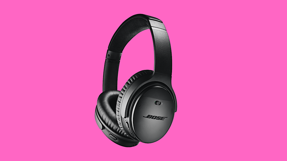 Save $80 on these Bose QuietComfort 35 Series II headphones. (Photo: Amazon)