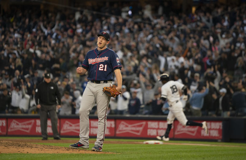 New York, NY-October 5: Twin reliever Tyler Duffey reacted after New York Yankees shortstop Didi Gregorius, rear, knocked a grand slam home run in the third inning. (Photo by Jeff Wheeler/Star Tribune via Getty Images)