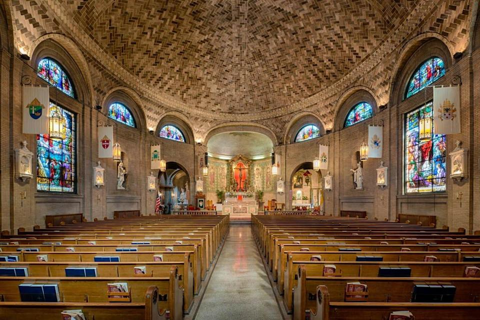 """<div class=""""inline-image__caption""""><p>Interior of the Basilica of Saint Lawrence in Asheville, North Carolina.</p></div> <div class=""""inline-image__credit"""">Getty</div>"""