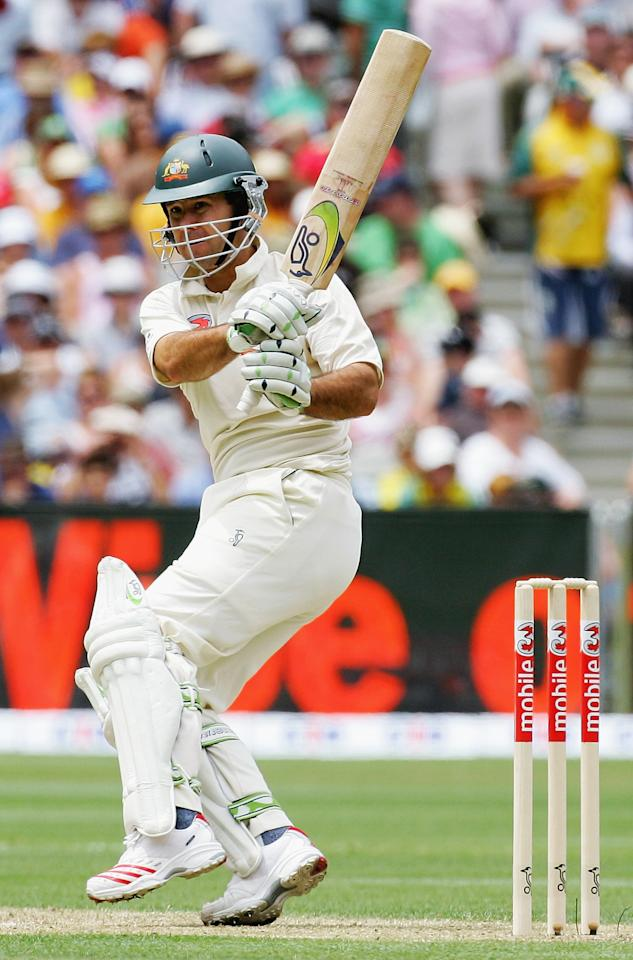 MELBOURNE, AUSTRALIA - DECEMBER 26:  Ricky Ponting of Australia in action during day one of the Second Test between Australia and South Africa played at the MCG on December 26, 2005 in Melbourne, Australia.  (Photo by Hamish Blair/Getty Images)