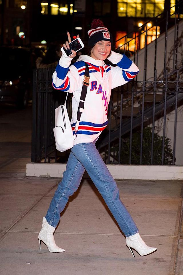 <p>The model showed her love for the New York Rangers, as she headed to Tuesday night's game at Madison Square Garden. (Photo: Gotham/GC Images) </p>