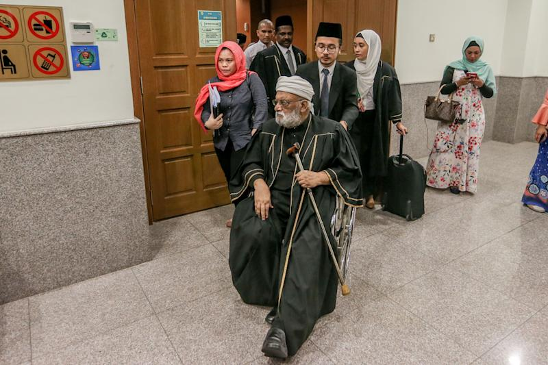 Datuk Sulaiman Abdullah, representing SM Faisal SM Nasimuddin, speaks to reporters at the Shariah High Court in Kuala Lumpur September 18, 2019. — Picture by Firdaus Latif