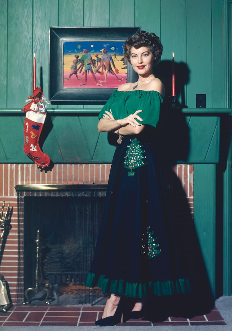 Gardner wears a holiday-themed outfit in this 1960 photo.