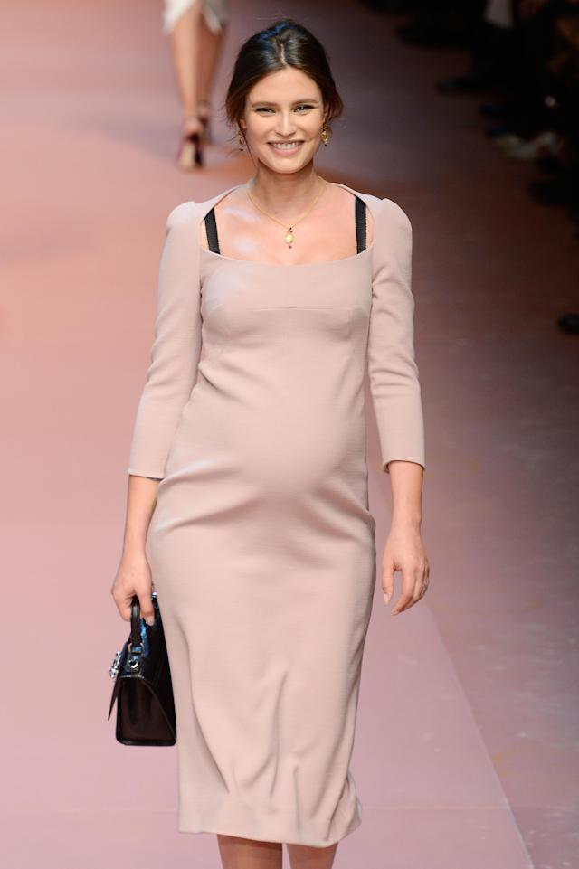 Model Bianca Balti walked Dolce & Gabbana's AW15 show while pregnant. (Photo: Getty)