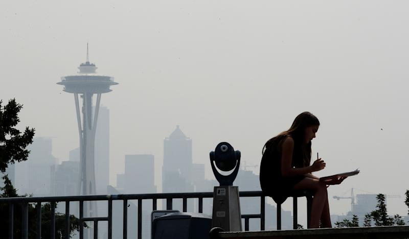 A photo shows thesmoky haze that obscured the Space Needle and downtown Seattle in August 2018. (Photo: ASSOCIATED PRESS)