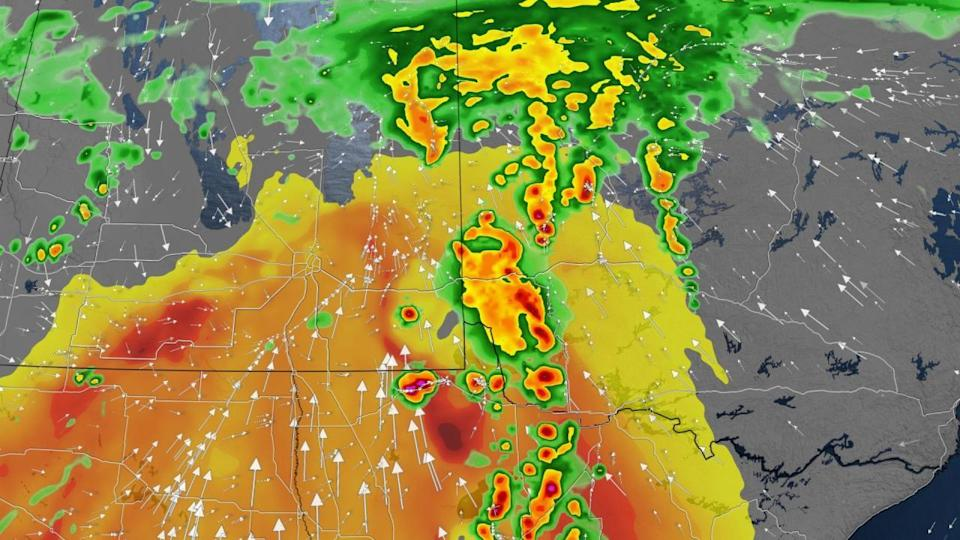 Severe storms roll through parts of the Prairies, NW Ontario