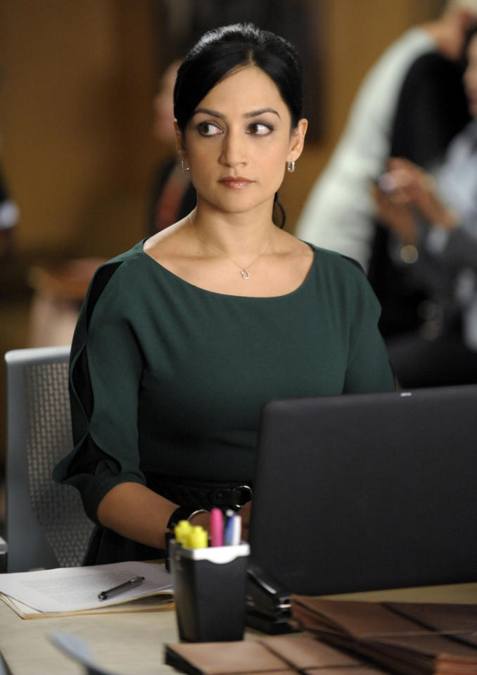 "Kalinda (Archie Panjabi) helps when Will defends a man accused of murder and Alicia attempts to influence the outcome of his case by aiding the prosecutor in a nearby county who is trying another man who for the same crime in ""Battle of the Proxies,"" the tenth episode of ""The Good Wife"" Season 4."
