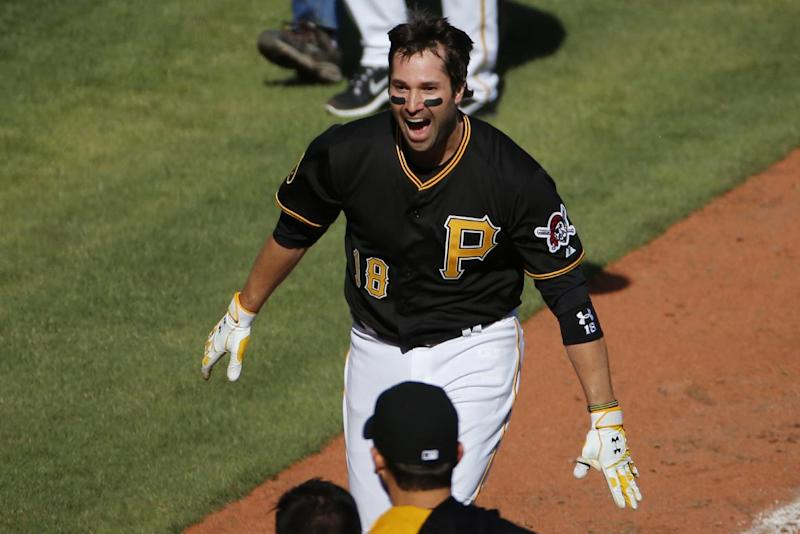 Walker's homer lifts Pirates over Cubs 1-0