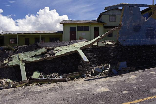 <p>View of damages caused by the earthquake, which mainly hit Mexico, in Tacana municipality, San Marcos departament, in the border with Mexico, 320 km from Guatemala City, on Sept.8, 2017. (Photo: Johan Ordonez/AFP/Getty Images) </p>