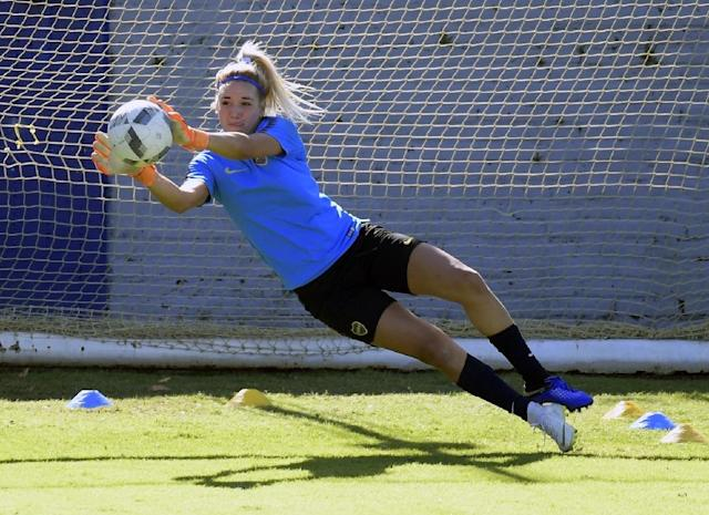 Boca Juniors goalkeeper Abigail Chaves in training (AFP Photo/JUAN MABROMATA)