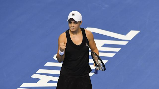 Wang Qiang's hopes of winning the WTA Elite Trophy on home soil were emphatically ended by Ashleigh Barty in Zhuhai.
