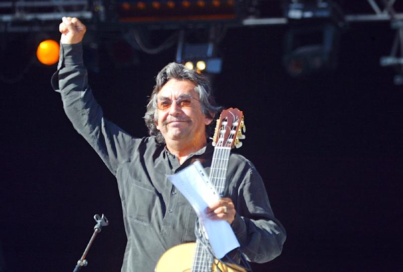 Noted Chilean singer and guitarist Angel Parra has died in France, where he lived for 40 years