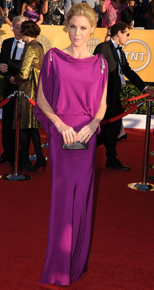 Julie Bowen (in Temperley London) arrives at the 18th Annual Screen Actors Guild Awards at The Shrine Auditorium in Los Angeles, California.