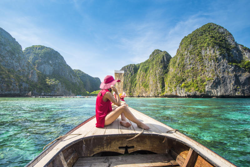 Black Friday and Cyber Monday travel deals to Thailand and Asia.