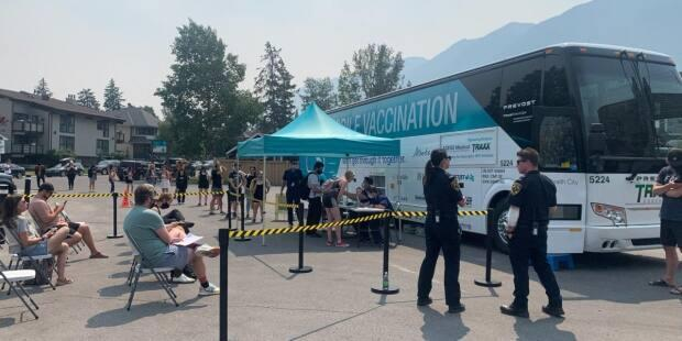 The vaccine bus stopped at a Banff hotel last week before it headed to Edmonton's Heritage Festival on the weekend.  (Business Council of Alberta - image credit)
