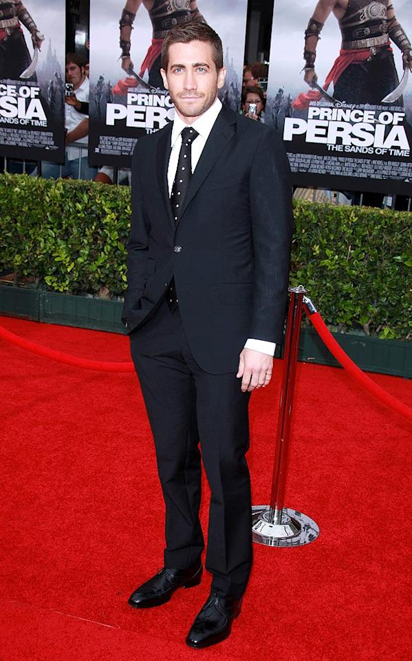 """Another one of Hollywood's hottest stars -- Jake Gyllenhaal -- also looked downright delicious at the premiere of his latest blockbuster-to-be, """"Prince of Persia: The Sands of Time."""" The 29-year-old hunk certainly suits up well. Jen Lowery/<a href=""""http://www.splashnewsonline.com"""" target=""""new"""">Splash News</a> - May 17, 2010"""